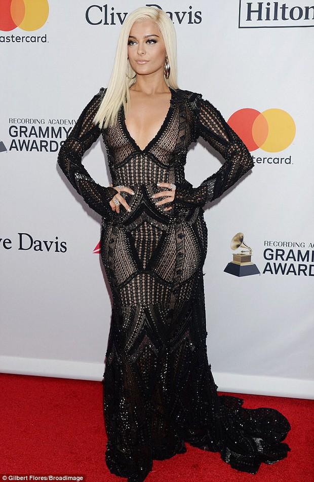 Loạt sao xuất hiện lộng lẫy, khoe đường cong bốc lửa trên thảm đỏ tiệc tiền Grammy 2018 - Ảnh 3.