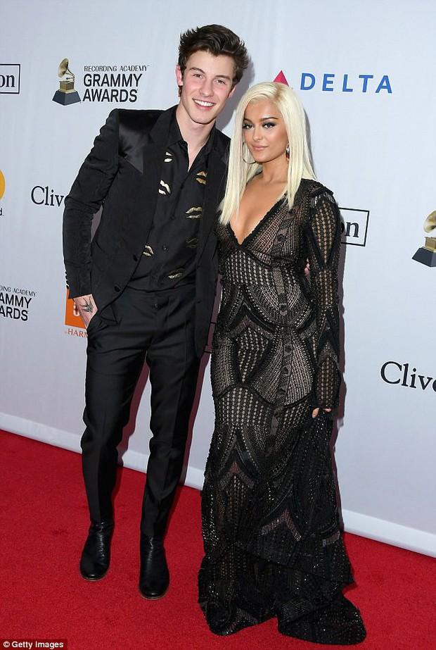 Loạt sao xuất hiện lộng lẫy, khoe đường cong bốc lửa trên thảm đỏ tiệc tiền Grammy 2018 - Ảnh 5.