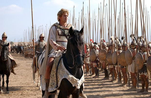 Khi lịch sử nhân loại hoàn toàn bị bẻ cong trong 10 bộ phim này - Ảnh 10.