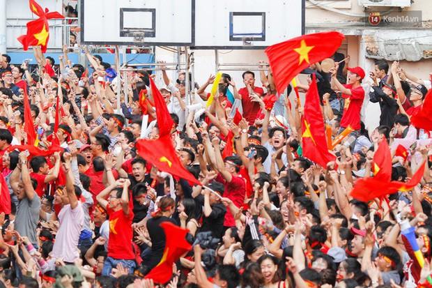 Báo nước ngoài đưa tin Uzbekistan dẹp tan giấc mơ chiến thắng của Việt Nam, nhưng không thể đánh bại tinh thần người hâm mộ - Ảnh 1.