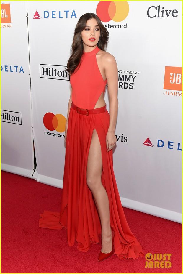 Loạt sao xuất hiện lộng lẫy, khoe đường cong bốc lửa trên thảm đỏ tiệc tiền Grammy 2018 - Ảnh 6.