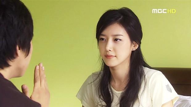 Netizen Hàn xuýt xoa vì 4 mĩ nhân đẹp đến mức bất thường của màn ảnh những năm 2000 - Ảnh 8.