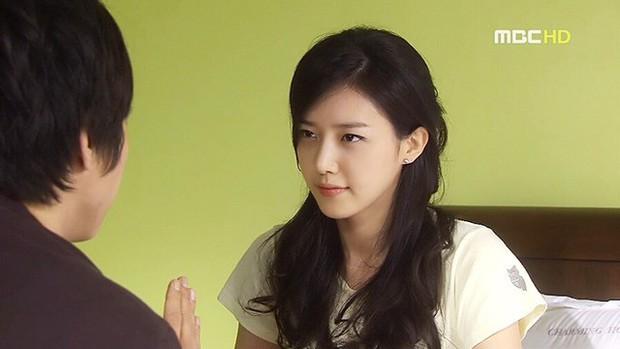 Netizen Hàn xuýt xoa vì 4 mĩ nhân đẹp đến mức bất thường của màn ảnh những năm 2000 - Ảnh 9.
