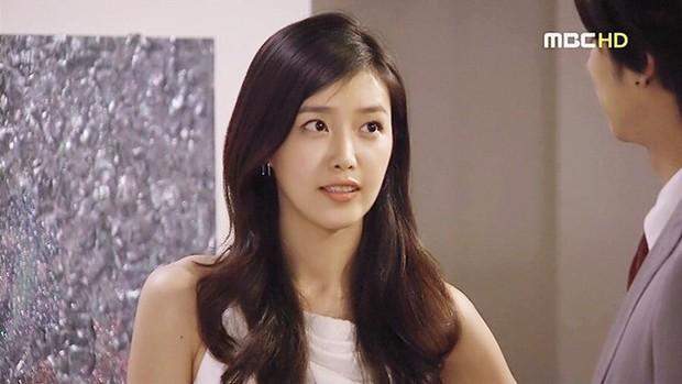 Netizen Hàn xuýt xoa vì 4 mĩ nhân đẹp đến mức bất thường của màn ảnh những năm 2000 - Ảnh 12.