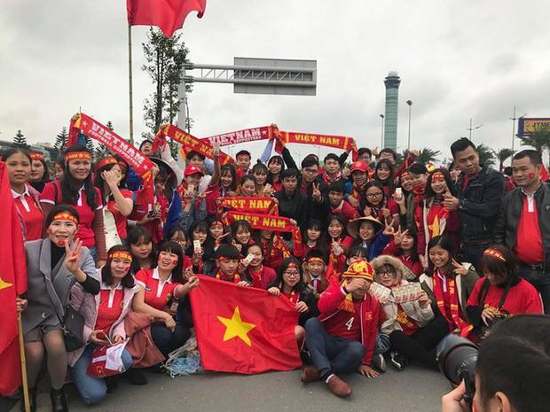 Những sự trùng hợp thú vị giữa màn đón người hùng 2 đội U23 Việt Nam và Uzbekistan về nước - Ảnh 2.