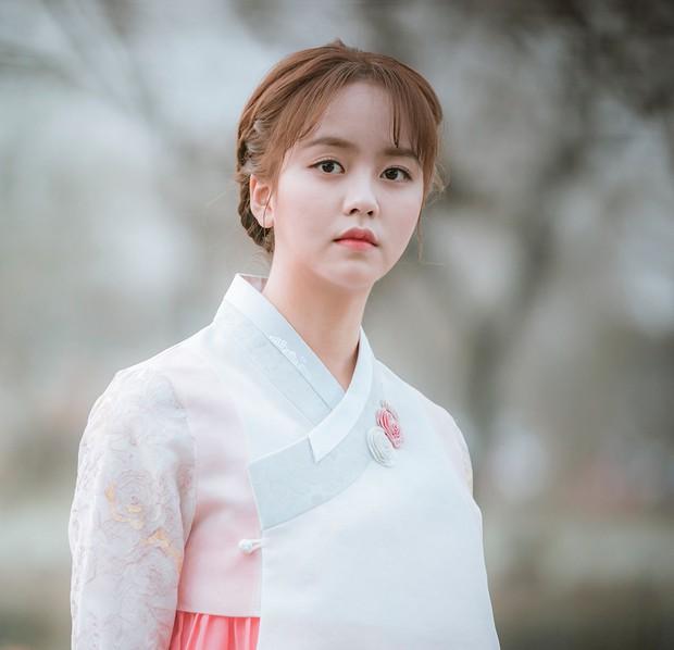 Không chỉ Hoa Du Ký, mọt phim Hàn hiện đang cực hóng phim mới của Kim So Hyun - Ảnh 10.