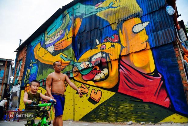 Hãy nhìn xem, Graffiti đã biến một khu dân cư thành cái nôi nhiếp ảnh dành cho giới trẻ thế nào - Ảnh 14.