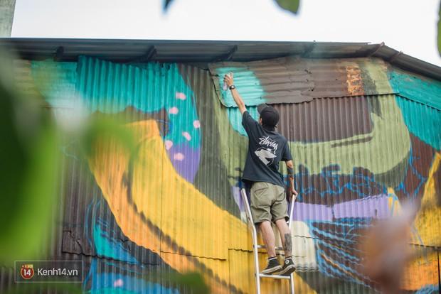Hãy nhìn xem, Graffiti đã biến một khu dân cư thành cái nôi nhiếp ảnh dành cho giới trẻ thế nào - Ảnh 6.