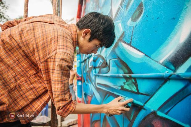 Hãy nhìn xem, Graffiti đã biến một khu dân cư thành cái nôi nhiếp ảnh dành cho giới trẻ thế nào - Ảnh 4.