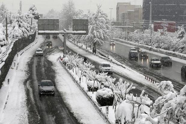 Không chỉ ở Thường Châu mới lạnh, Ả Rập Xê-út vốn nổi tiếng nắng nóng cũng có tuyết rơi rồi - Ảnh 6.