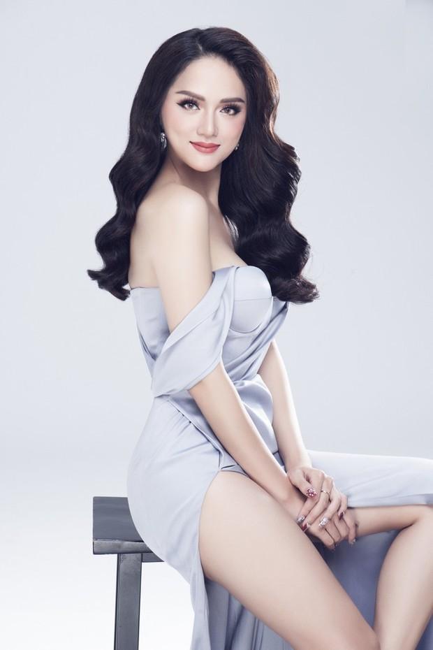 Clip: Hương Giang xuất hiện xinh đẹp, tự tin giới thiệu bản thân tại cuộc thi Hoa hậu Chuyển giới - Ảnh 4.