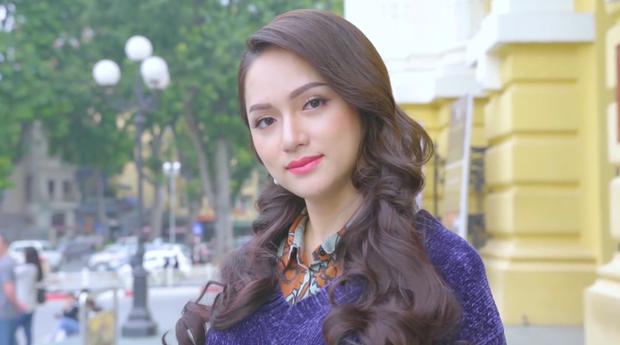 Clip: Hương Giang xuất hiện xinh đẹp, tự tin giới thiệu bản thân tại cuộc thi Hoa hậu Chuyển giới - Ảnh 3.