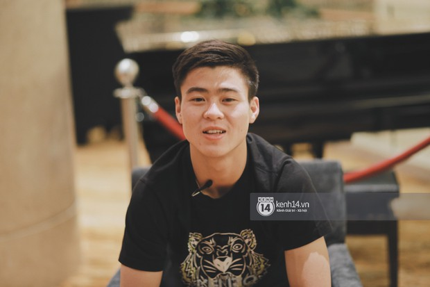 Duy Mạnh U23 Việt Nam: Trong đội chỉ có mình với Hồng Duy bán hàng online, nhưng thật ra là... đăng hộ bạn gái đấy - Ảnh 4.