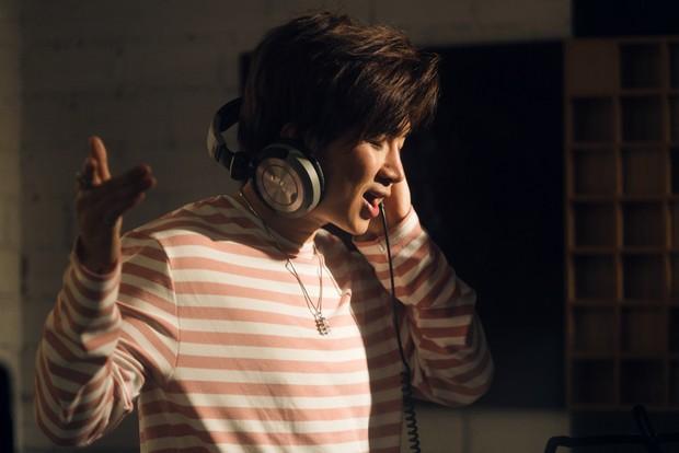 """Không thể không xem: 19 ca sĩ, nhóm nhạc đình đám Vpop hòa giọng đầy cảm xúc trong MV ca khúc chủ đề của album """"Bình tĩnh sống"""" - Ảnh 7."""