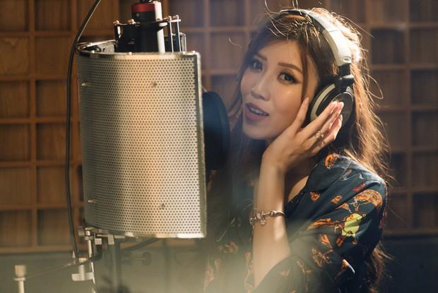"""Không thể không xem: 19 ca sĩ, nhóm nhạc đình đám Vpop hòa giọng đầy cảm xúc trong MV ca khúc chủ đề của album """"Bình tĩnh sống"""" - Ảnh 8."""