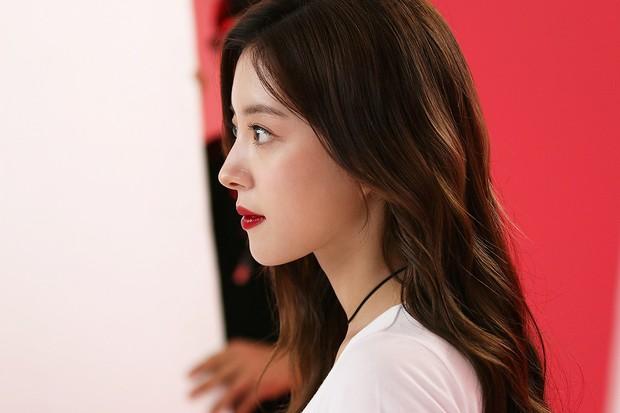 Sao nhí Nàng Dae Jang Geum lột xác thành cương thi Hoa du ký: Đẹp khó tin, hát hay lại còn nhảy không kém idol - Ảnh 13.