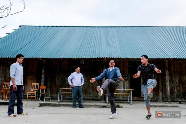 47 thầy giáo tiểu học Tri Lễ: Lên vùng cao, ở với đồng bào và học múa dân vũ - Ảnh 1.