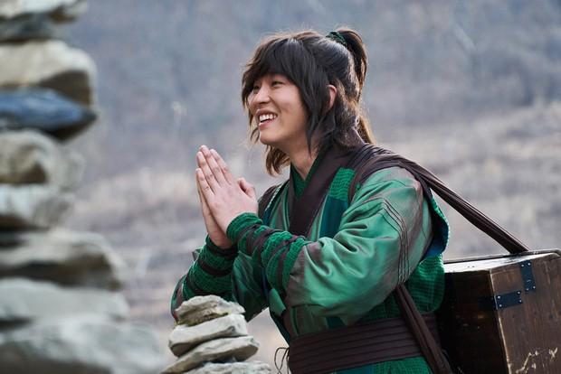 7 phi vụ khiến ta nhận ra các giải thưởng phim Hàn có khi như một trò đùa - Ảnh 2.