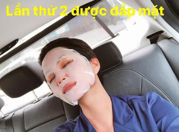 Hồng Duy Pinky đắp mặt nạ mỗi ngày, thế mà Hoa hậu HHen Niê cả đời mới có... 2 lần - Ảnh 1.