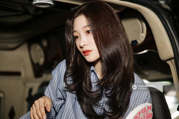 Loạt ảnh: Cận cảnh nhan sắc đỉnh cao của nữ thần thế hệ mới Jung Chae Yeon tại sân bay Tân Sơn Nhất - Ảnh 22.