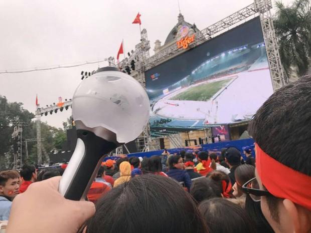 Nhờ U23, hội các fan Kpop đã tìm ra được một ngày gọi là ngày hoà bình fandom Việt Nam - Ảnh 4.