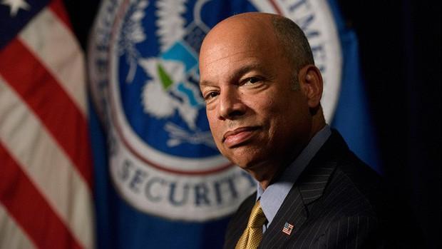 Hacker 15 tuổi mạo danh giám đốc CIA để ăn cắp thông tin rồi quậy phá nhà riêng của các quan chức cao cấp Mỹ - Ảnh 4.