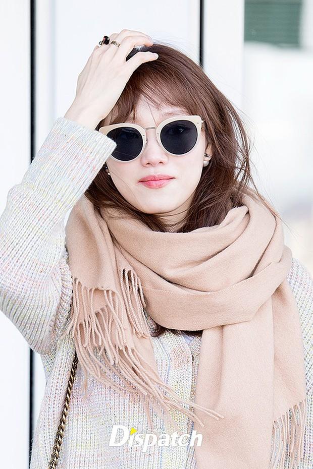 Chứng kiến màn đọ sắc hiếm hoi của 2 biểu tượng sang chảnh: Lee Sung Kyung cò hương và dàn mỹ nhân Black Pink - Ảnh 10.
