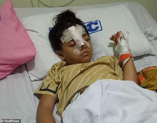 Em bé Philippines 8 tuổi dũng cảm đối đầu với bọn cướp để cứu cha mẹ mình - Ảnh 2.