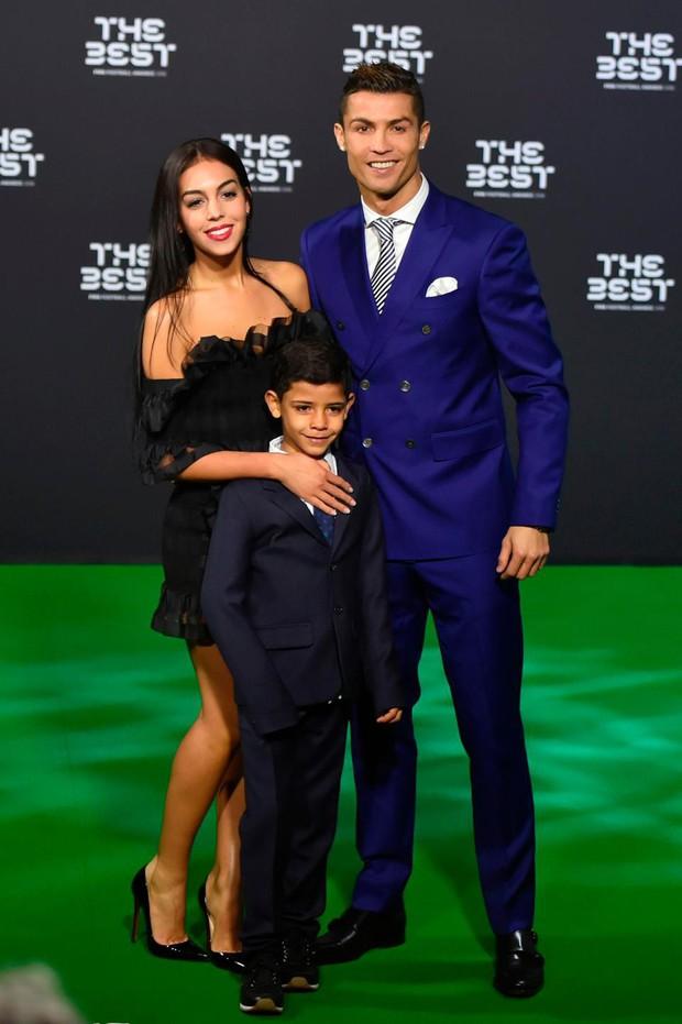 Cristiano Ronaldo bị đâm đơn kiện vì tội hiếp dâm ở Las Vegas 9 năm trước - Ảnh 2.