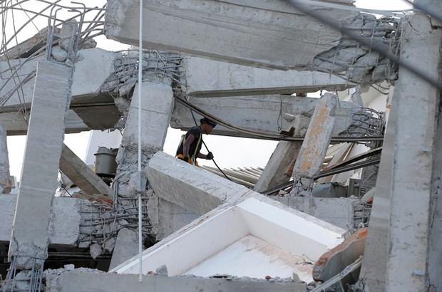 Toàn cảnh công tác cứu hộ trong thảm họa động đất sóng thần ở Indonesia - Ảnh 2.