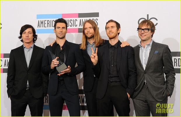 Ca khúc đạt No.1 tại Billboard Hot 100 của Maroon 5 và Cardi B liệu có tạo nên kỷ lục hattrick nhóm tại AMAs 2018? - Ảnh 2.