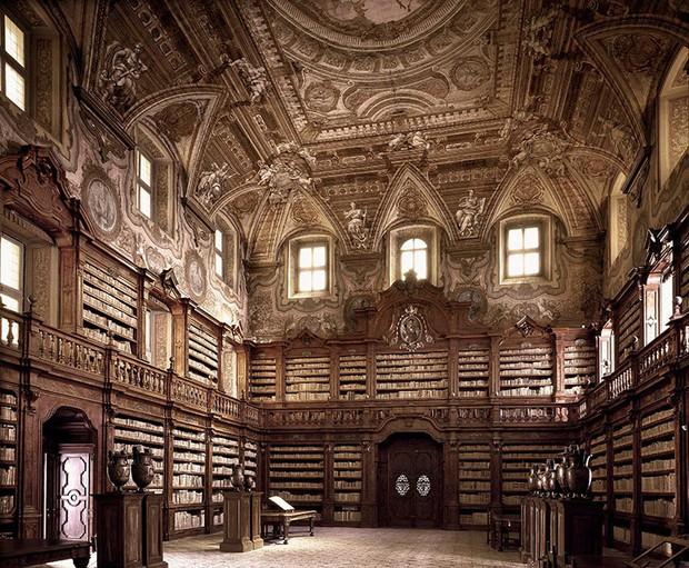 Choáng ngợp với bộ ảnh những thư viện đẹp nhất thế giới: Nơi để đọc sách thôi có cần sang trọng, đẳng cấp như vậy không? - Ảnh 3.