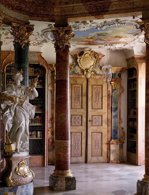 Choáng ngợp với bộ ảnh những thư viện đẹp nhất thế giới: Nơi để đọc sách thôi có cần sang trọng, đẳng cấp như vậy không? - Ảnh 10.