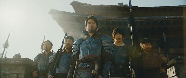 Bom tấn của Jo In Sung bứt phá đáng sợ trong tuần 2, doanh thu tăng 220% - Ảnh 3.