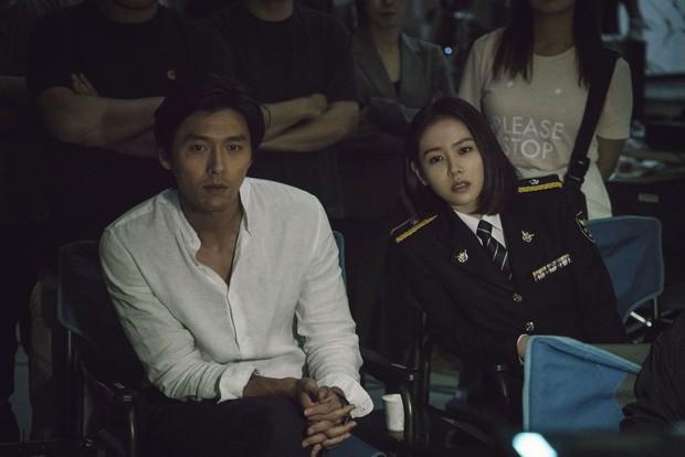 Bom tấn của Jo In Sung bứt phá đáng sợ trong tuần 2, doanh thu tăng 220% - Ảnh 4.