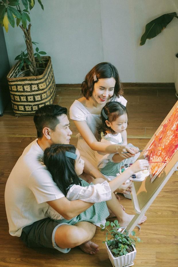 Lưu Hương Giang - Hồ Hoài Anh lần đầu chụp ảnh gia đình đủ 4 thành viên, hé lộ con gái hơn 2 tuổi lớn phổng phao - Ảnh 2.