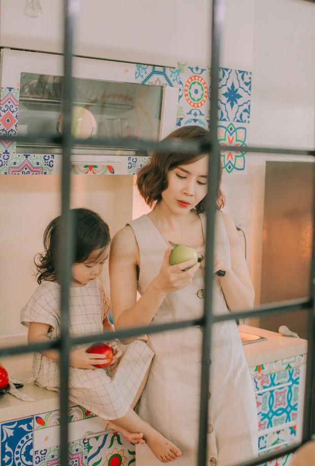 Lưu Hương Giang - Hồ Hoài Anh lần đầu chụp ảnh gia đình đủ 4 thành viên, hé lộ con gái hơn 2 tuổi lớn phổng phao - Ảnh 13.