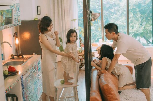 Lưu Hương Giang - Hồ Hoài Anh lần đầu chụp ảnh gia đình đủ 4 thành viên, hé lộ con gái hơn 2 tuổi lớn phổng phao - Ảnh 14.