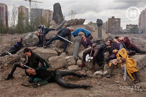 Thêm 1 bộ hình thảm họa của Next Top Ukraine: Đánh đấm, lộn xộn rối cả mắt! - Ảnh 2.