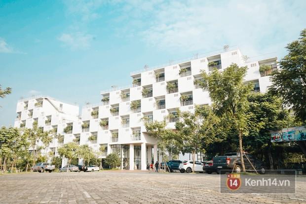 Nhà vệ sinh lộ thiên sang chảnh như khách sạn của Đại học FPT: Vừa giải quyết nỗi buồn vừa ngắm mây trời, hoa lá - Ảnh 9.