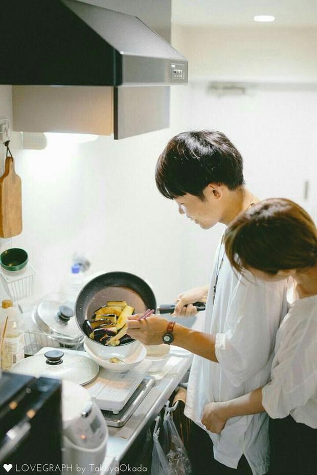 Bộ ảnh chứng minh chúng ta chắc chắn là một cặp trời sinh: Anh thì giỏi nấu, em thì giỏi ăn! - Ảnh 7.