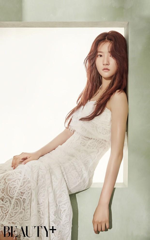 Kim Sae Ron: Sao nhí từng 2 lần đi thảm đỏ Cannes, nhan sắc Kim Yoo Jung, Kim So Hyun cũng phải kiêng dè - Ảnh 11.