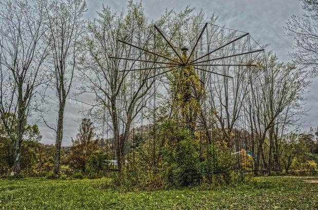 Công viên bỏ hoang Lake Shawnee: Xây dựng trên nghĩa địa của thổ dân bản xứ, hàng loạt cái chết xảy ra từ khi mới khánh thành - Ảnh 1.