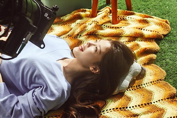 Ảnh hậu trường không còn gì để nói của Kim Yoo Jung: Nhan sắc của thiếu nữ 19 tuổi đẹp nhất xứ Hàn là đây! - Ảnh 20.