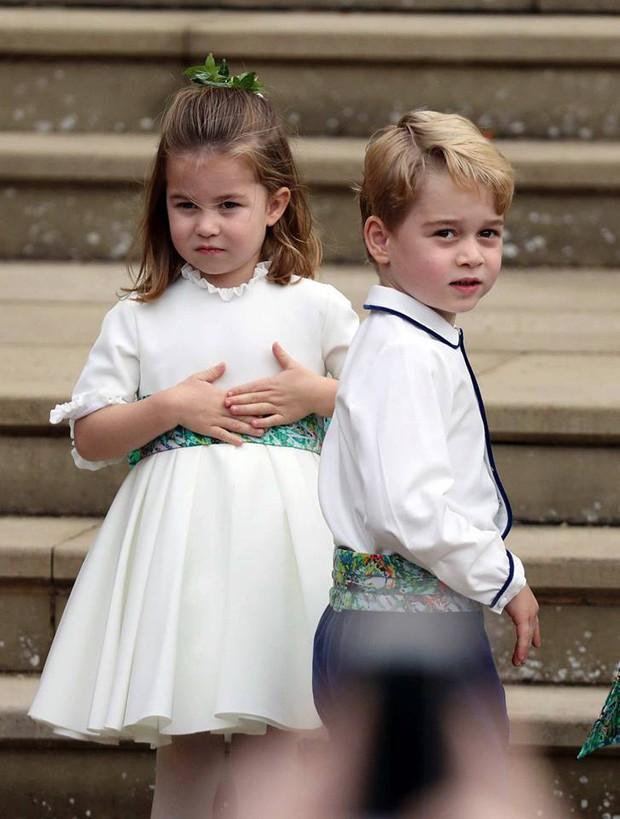 Những hình ảnh trong đám cưới cổ tích của Công chúa Eugenie - cháu gái Nữ hoàng Anh - Ảnh 4.