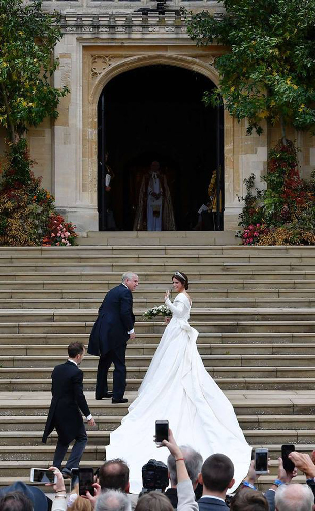 Những hình ảnh trong đám cưới cổ tích của Công chúa Eugenie - cháu gái Nữ hoàng Anh - Ảnh 7.