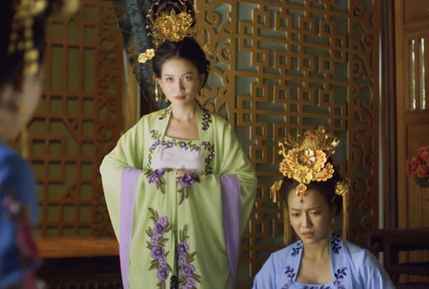 Chán làm chị Mười Ba đánh đấm, Thu Trang nghĩ ra chiêu tắm trắng không ai dám bắt chước trong webdrama cổ trang xuyên không - Ảnh 2.