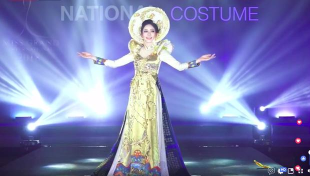 Clip: Phương Nga xuất hiện rạng rỡ, tự tin trình diễn trang phục dân tộc tại Miss Grand International 2018 - Ảnh 2.