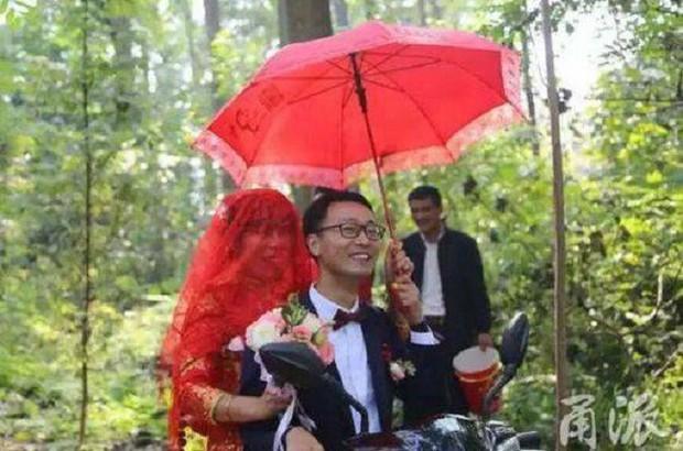 Đi rước dâu bị nhà gái thách cưới bằng một bài toán, chú rể toát mồ hôi hột mới giải xong để còn cưới vợ - Ảnh 1.