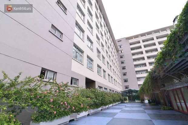 Bắc có ĐH Thăng Long, Nam có ĐH RMIT: Đây chắc chắn là 2 ngôi trường đẹp, sang chảnh, xịn sò nhất Việt Nam - Ảnh 1.